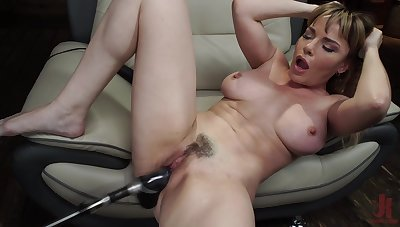 Long and heavy sex toy can please the sexual desires of Dana DeArmond