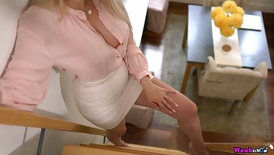 Killing hot milf with perfectly shaped body Amber Jayne gets naked and shows the brush assets