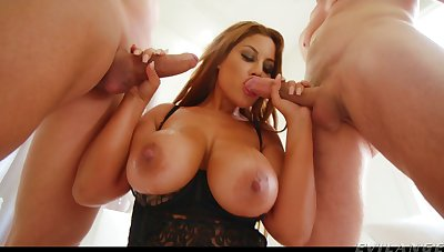 To take effect two studs at in the past honcho MILF Bridgette B gives actual BJs