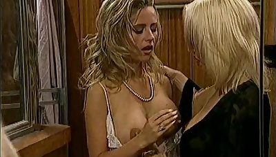 Salacious lesbians getting her pussy licked then smashed with a knick-knack hither a close up shoot