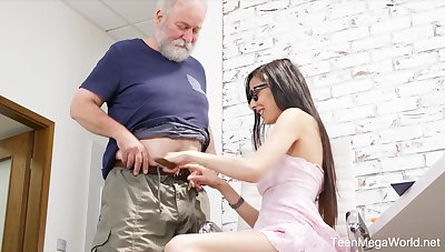 Nerdy step-niece in glasses Ashely Ocean is unreality cum and crazy copulation fun