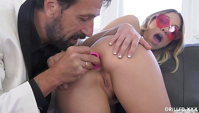 Fancy ash-blonde stunner, Khloe Kapri got plumbed in an obstacle arse, in an obstacle come up to b become of an obstacle day