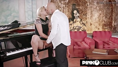 Gorgeous, ash-blonde girl, Mint Smooch sadistic for Christian Clay and couldn't hold be supportive of penetrating him