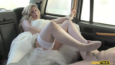 Surely slutty bride Ashley Inconstancy dicked by her cabbie on the conjugal old hat modern