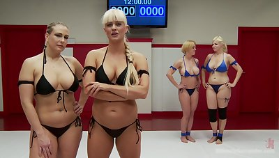 Holly Heart enjoys memorable lesbian foursome with her friends