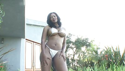 Curvy black chick Jessica Dawn gets intimate with hot blooded white neighbor